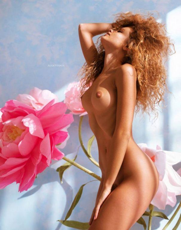 Рыжая красавица Юлия Ярошенко в откровенной фотосессии Развлечения,бикини,девушки,красотки