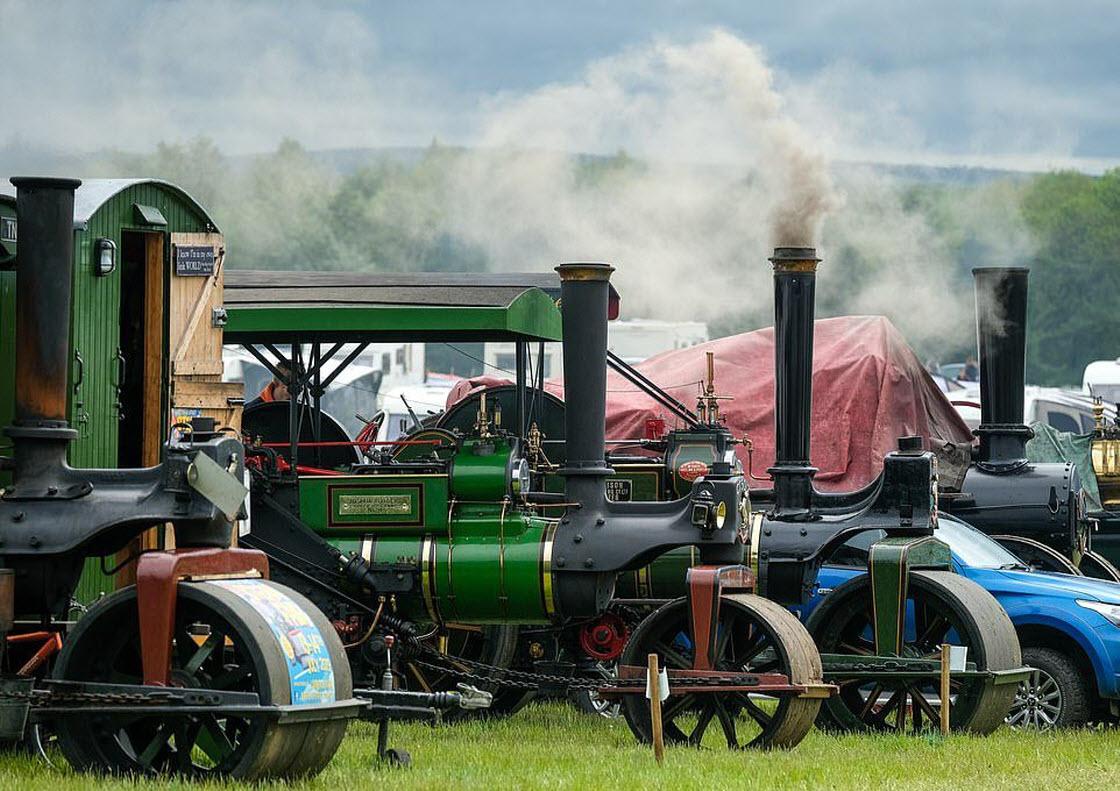 Выставка ретро-техники в Великобритании выставка,шоу,техника,автомобили,выставка,грузовики,двигатели,ретро,тракторы