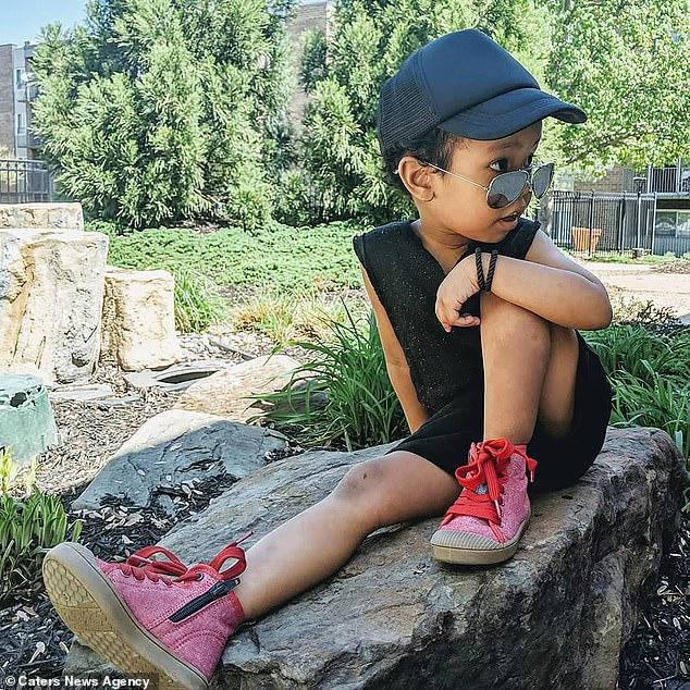 Трехлетняя девочка-вундеркинд решает сложные примеры, умеет писать, читать и обыгрывает мать в шахматы Тайны и мифы