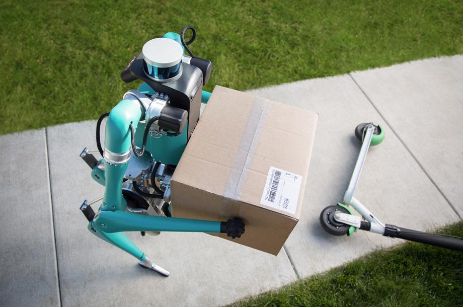 Компания Ford показала робота-курьера в дополнение к фургону Авто и мото