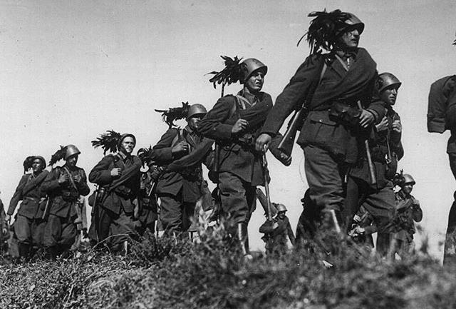 Лучшие бойцы в мире Италия и ее история,20 век,Фото,Гражданская война в Испании