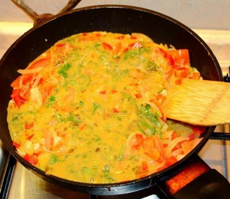 Рецепт приготовления грузинской яичницы Кулинария,Завтраки,Помидоры,Яичница,Яйца