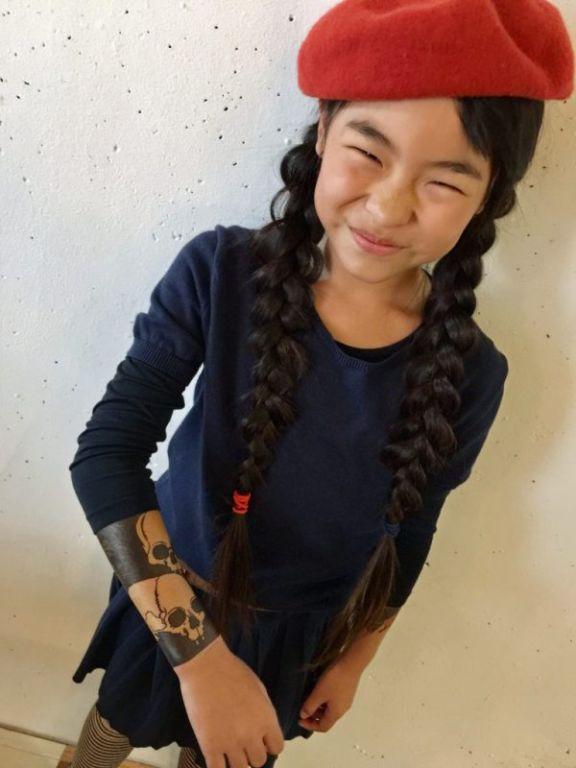 Яблоко от яблони: 10-летняя японка делает тату, следуя по стопам отца Искусство