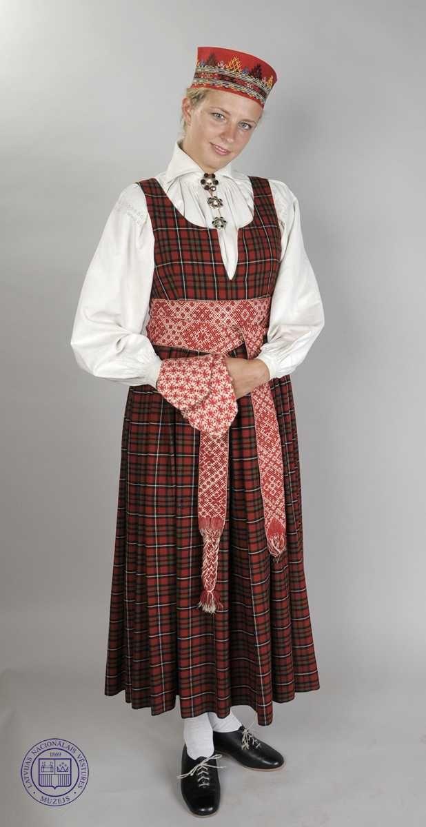 Национальные костюмы. Латвия география, этник, мода