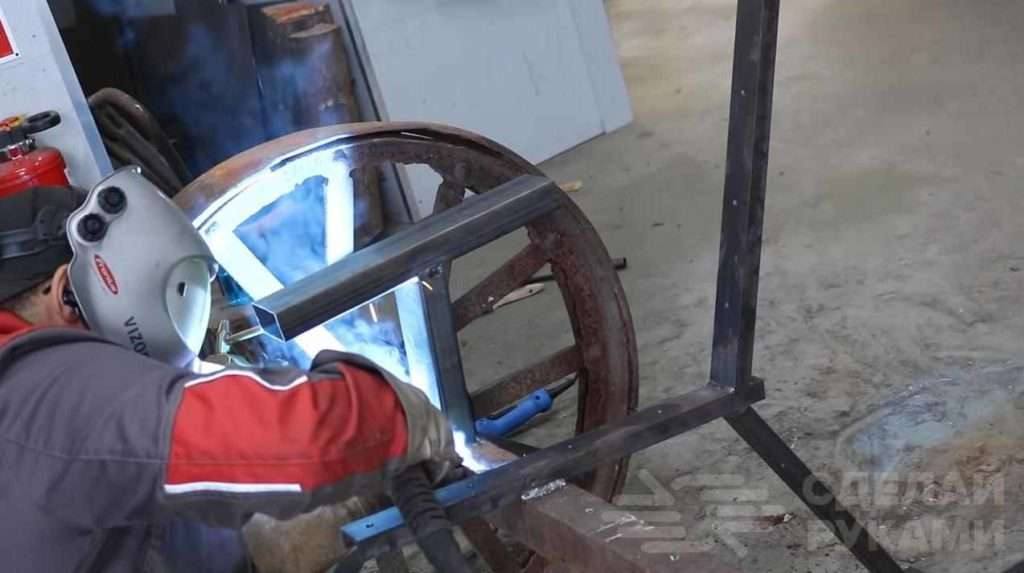 Классная идея для дачи и дома: скамейка на колесах Самоделки