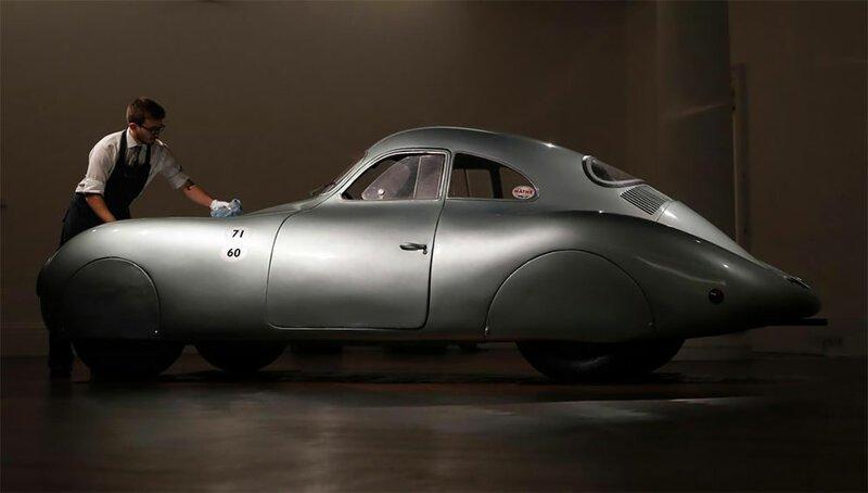 Самый старый в мире Porsche оценили в миллионов авто