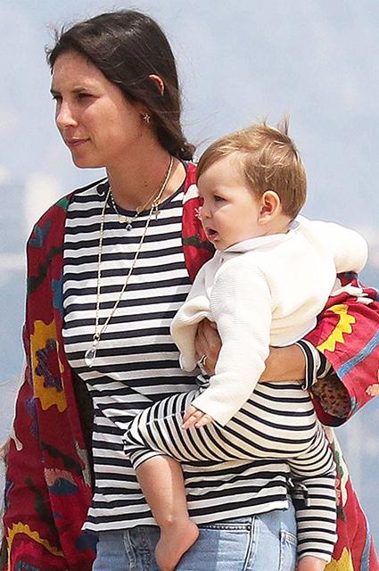 Татьяна Санто-Доминго и Андреа Казираги впервые появились на публике с младшим сыном: фото Звездные дети