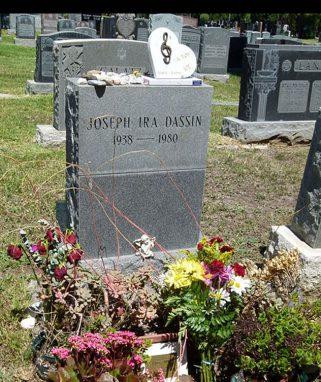 Почему могила Джо Дассена закрыта для посещения Джо Дассен,заморские звезды,певец,шоу,шоубиz,шоубиз
