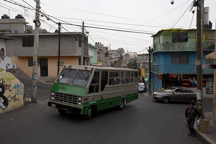 Зачем жители Мехико носят с собой муляжи мобильных телефонов заграница,страны,туризм