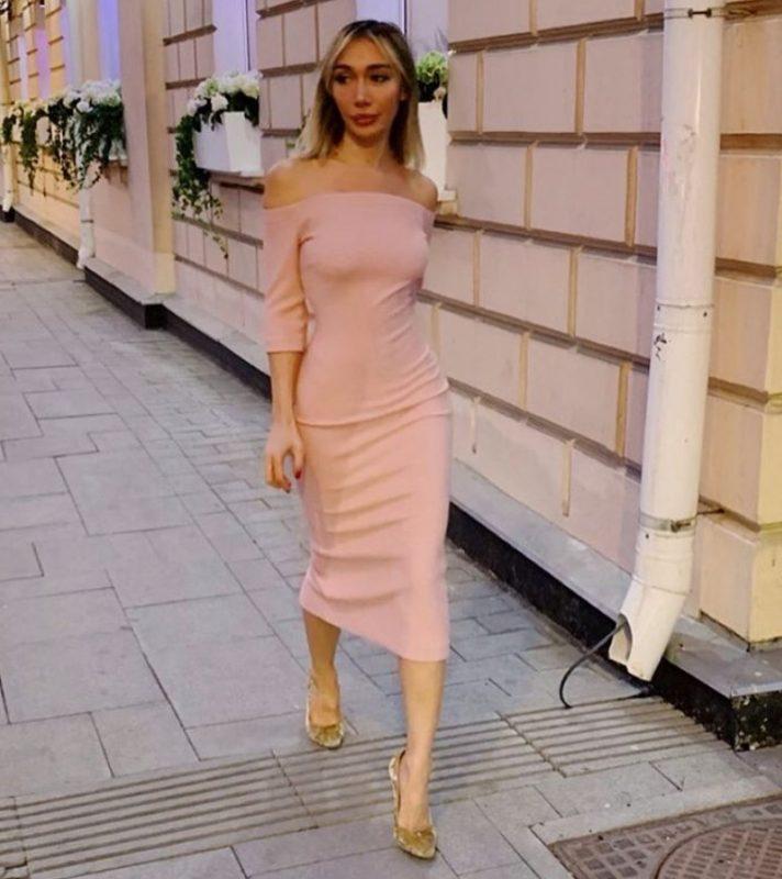 Девушка не могла найти работу в Лондоне… из-за своей красоты
