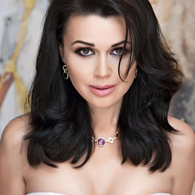 «Возраст не помеха!»: Самые красивые отечественные актрисы, которым за 40+