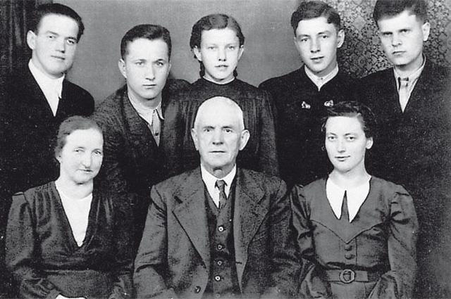 Подвиг без награды. Мать нацистских солдат спасла советских офицеров история,нацисты